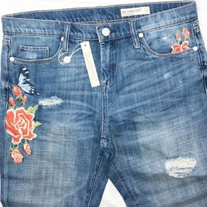 Blank NYC Blue Crop Jeans Rips Rose Embroidery 27